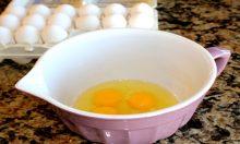 Dưỡng da trắng từ trứng gà.
